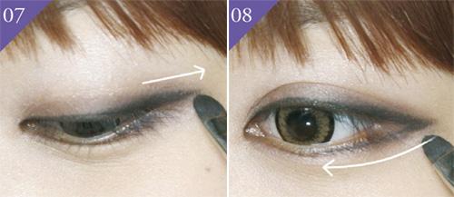 Cách trang điểm mắt mèo với phần đuôi kéo dài
