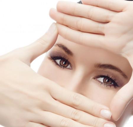 đôi mắt tuổi trung niên