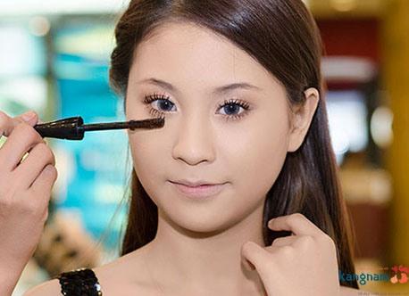 cách trang điểm cho mắt xếch 4